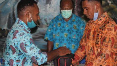 Ketua STFT Lantik Pengurus BEM STFT Fajar Timur Papua