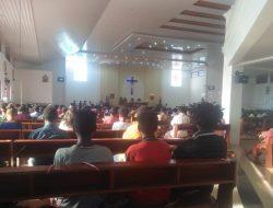 Misa di Gereja Katolik di Nabire Tetap Mematuhi Prokes Covid-19