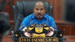 Jelang Penutupan PON XX Gubernur Enembe Lantik Rumasukun Sebagai Sekda Papua