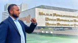 Anggota DPR RI Yan Permanes Mandenas Kritik Keras Pemprov Papua