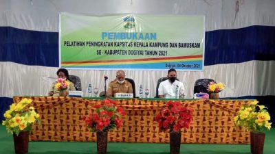Sekretaris Daerah Dogiyai Petrus Agapa: Manfaatkan Dana Desa Tepat Sasaran