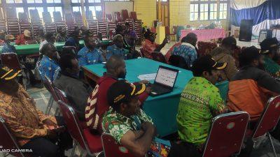 Ratusan Peserta Bimtek di Dogiyai Simulasi Cara Pengisian Dana Desa