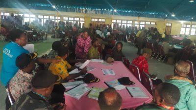 Kepala Dinas PMK Dogiyai Damiana Tekege: Puluhan Kepala Kampung Belum Bisa Baca dan Tulis